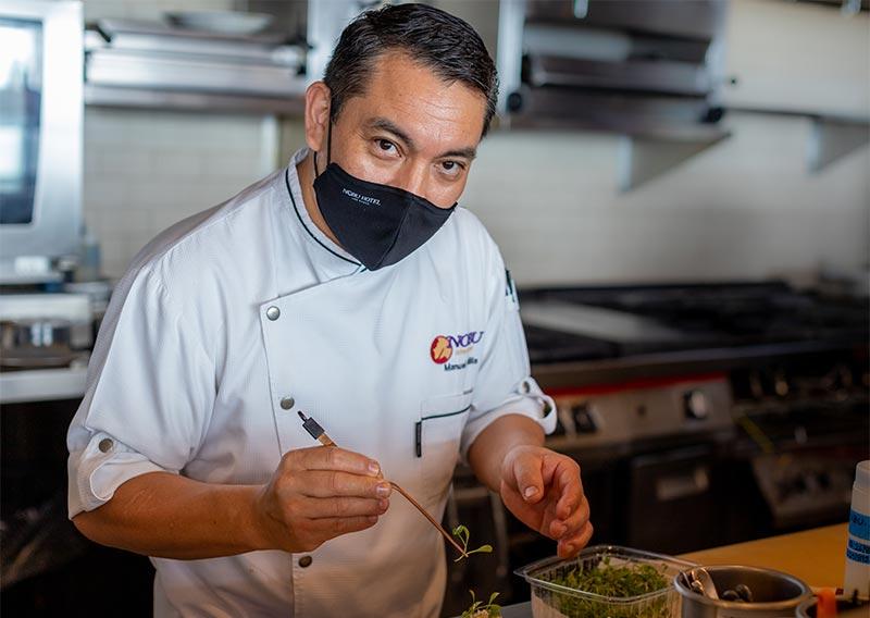 chef-manuel-padilla-nobu-restaurant